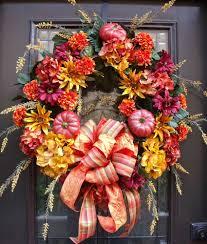 Венок на дверь в период Дня Благодарения
