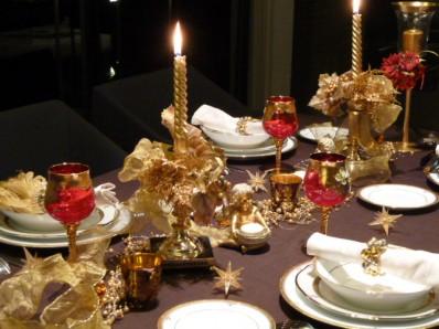 Рождественские декорации стола