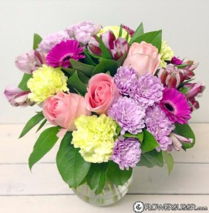 bouquet-of-flowers-delivered-to-st-petersburg-copy